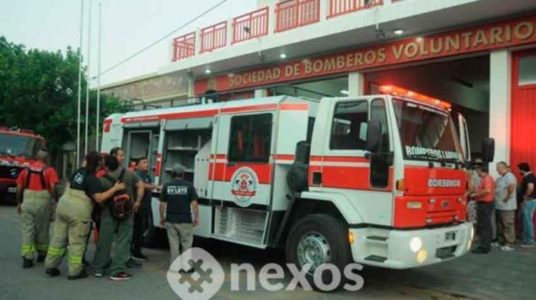 Bomberos Voluntarios de Laboulaye presentaron una nueva autobomba