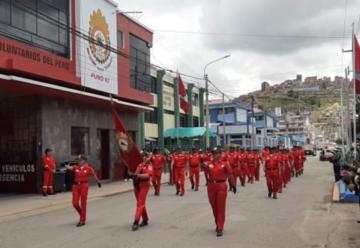 Compañía de Bomberos Voluntarios de Puno cumplió 65 años