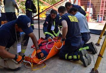 Bomberos conforman primer equipo de rescate urbano regional