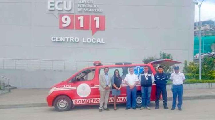Entregan ambulancia para atender servicios del ECU-911 y Bomberos