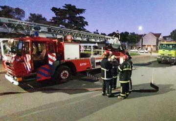 Bomberos de Junín realizaron práctica con escalera mecánica