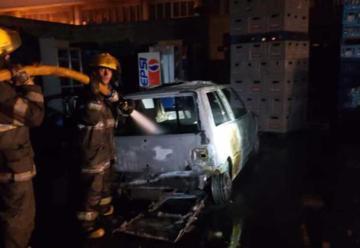 Un depósito de bebidas se prendió fuego en Almirante Brown