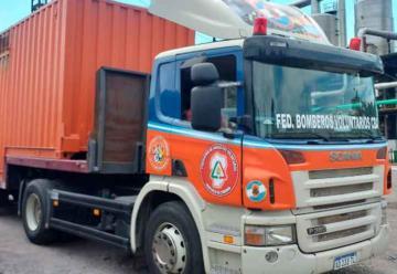 Bomberos de Córdoba transportaron alcohol a granel para los Bomberos Voluntarios
