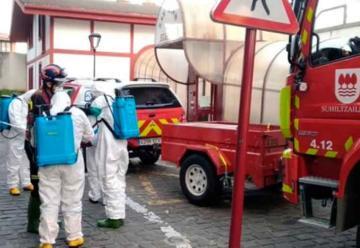Bomberos desinfectan residencias Otezuri y San Juan de Zumaia