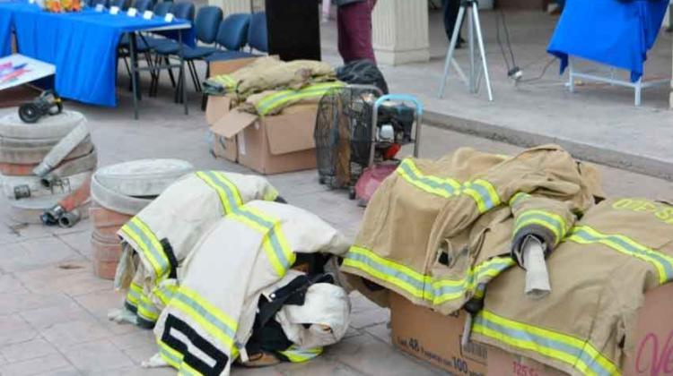 Entregan equipos a bomberos de Meoqui - Saucillo - La Cruz y Rosales