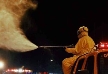 Bomberos Voluntarios desinfectan las calles de Lambaré