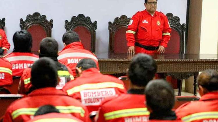 Bomberos donarán alimentos en las zonas más vulnerables de Lima