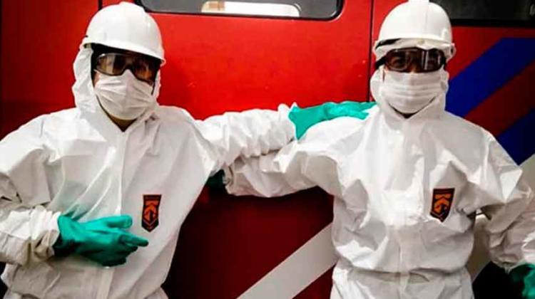 Personal de Bomberos de Cipolletti salió a desinfectar la ciudad