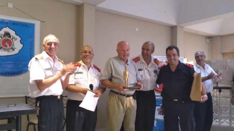 Reconocimiento por sus 50 años de Servicio y vocación bomberil