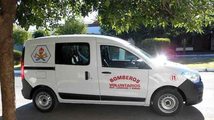 Bomberos de Larroudé y Sarah con nuevo vehículo