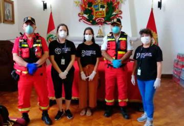 Bomberos de Lima reciben donación de alimento de parte de empresas