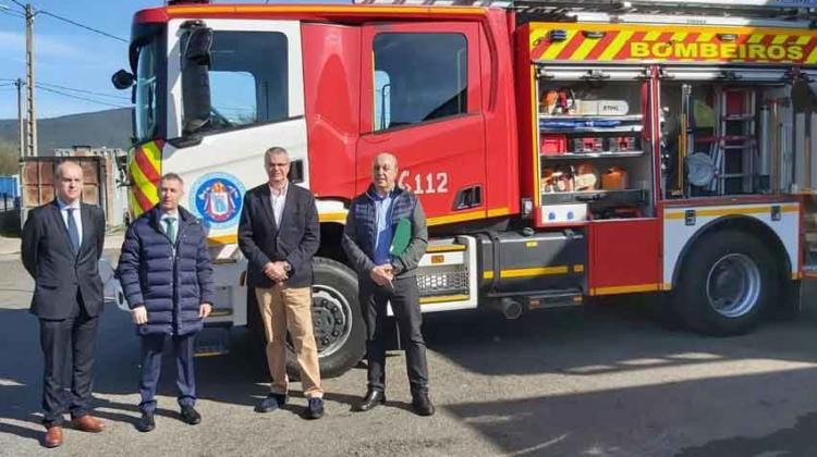Nuevo camión para el parque de bomberos de Verín
