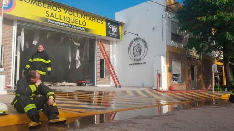 Incendio se propaga y afecta a Cuartel de Bomberos Voluntarios