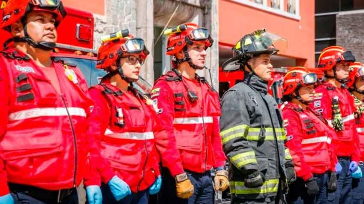Bomberos de Quito cumplio 76 años de servicio a la comunidad