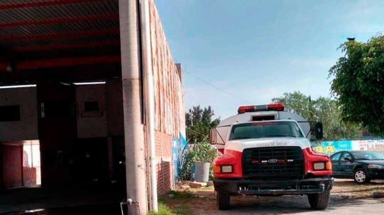 Roban baterías de cisterna de Bomberos en Yerbabuena