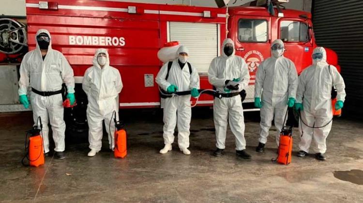 Desinfectan cuartel y aíslan a bomberos que tuvieron contacto con un caso positivo