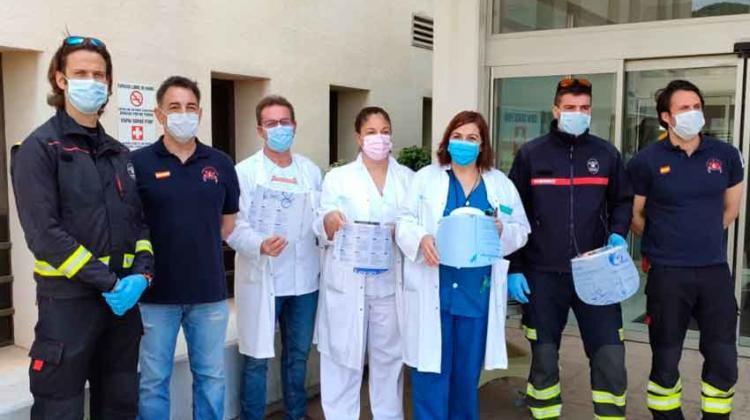 Bomberos de Ibiza donan 150 pantallas protectoras a los sanitarios