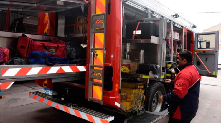 Bomberos Voluntarios presentaron una nueva unidad cero kilómetro