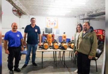 Bomberos de Frontera recibieron equipos donados