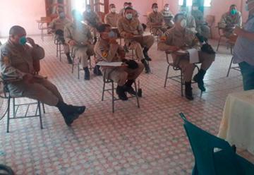 Capacitan a bomberos en Honduras contra el COVID-19