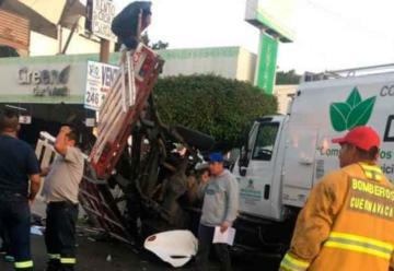 Bombero muere y dos quedan lesionados en accidente