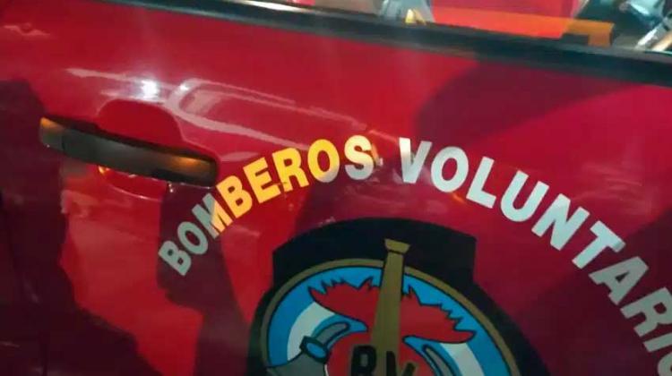 Cuatro móviles de bomberos fueron apedreados en Mascardi