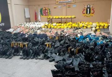 Bomberos de EEUU donan equipos de protección a Bomberos paraguayos