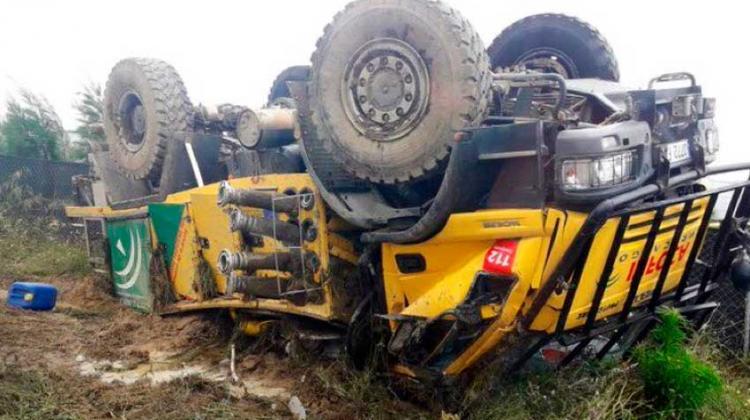Vuelco de un vehículo autobomba del Plan Infoca en Huelva