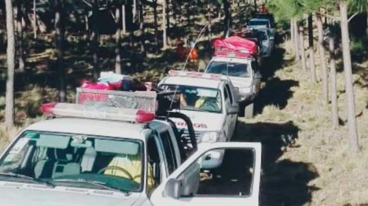 Bomberos continúan trabajando en el incendio de Alpa Corral