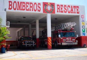 Ponen en cuarentena a bomberos de Cancún