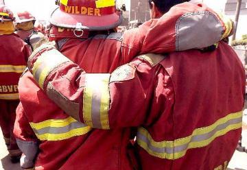 Fallecen dos bomberos más por COVID-19