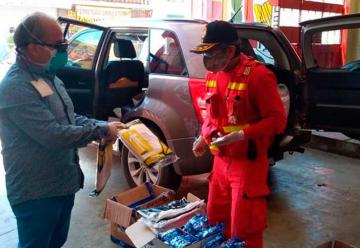 Donan instrumentos de protección a bomberos de Chiclayo