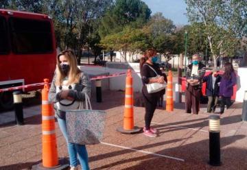 Bomberos Voluntarios de Trelew prepararon un locro solidario