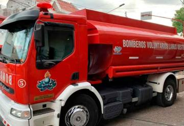 VENTA: Bomberos de Lanús Oeste vende cisterna