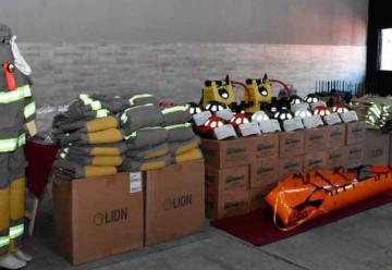 Bomberos Voluntarios de Trelew presentaron equipamiento