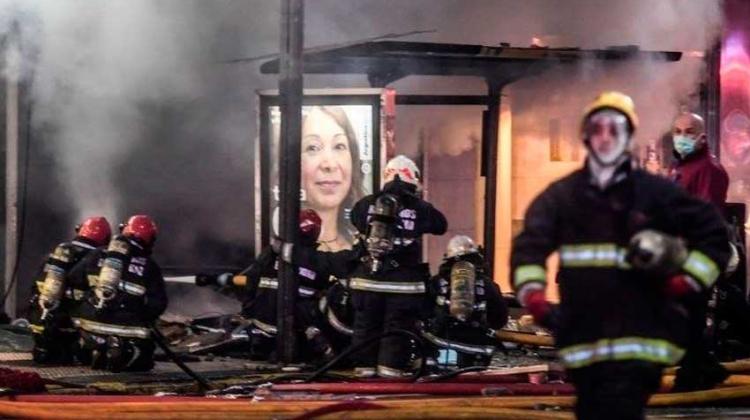 Dos bomberos permanecen internados en terapia intensiva
