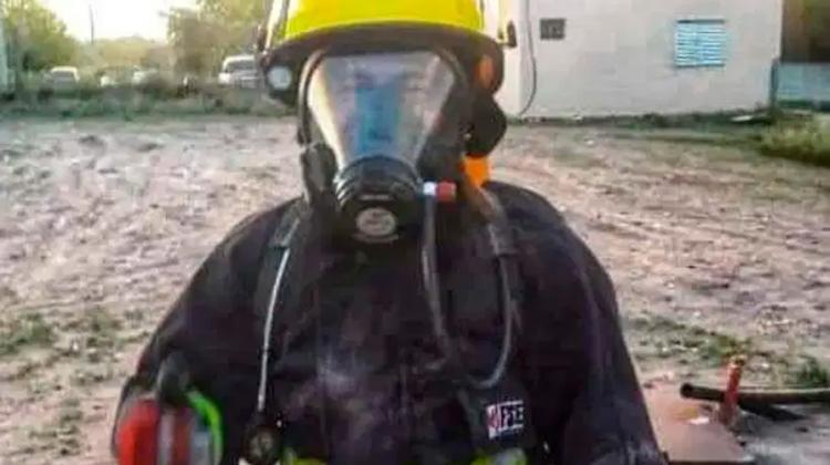 Un joven bombero le salvó la vida a una beba de 25 días