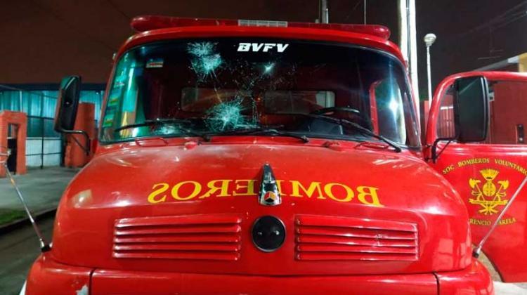 Agresión a los Bomberos de Florencio Varela mientras combatían un incendio