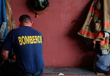 Gobernadora inaugura estación de Bomberos de Barceloneta