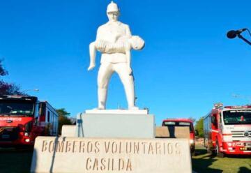 Monumento al Bombero Voluntario de Casilda