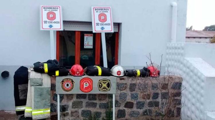 Bomberos de La Garma recibe donaciones, fortaleciendo el servicio de prevención