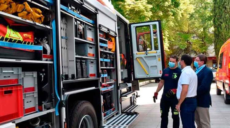 La Diputación de Cuenca presenta el nuevo camión de bomberos