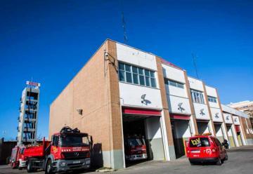 Bomberos incorporan trajes para incendios forestales y rescates