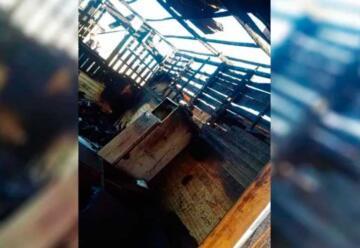 Bomberos se encajaron en el barro y no llegaron al incendio