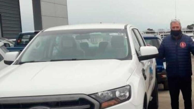 Bomberos Voluntarios de Rojas adquirió camioneta Ford cero kilómetro