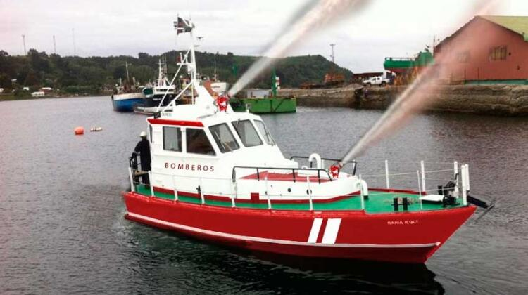 Puerto Montt tendrá la primera embarcación para combatir incendios marítimos