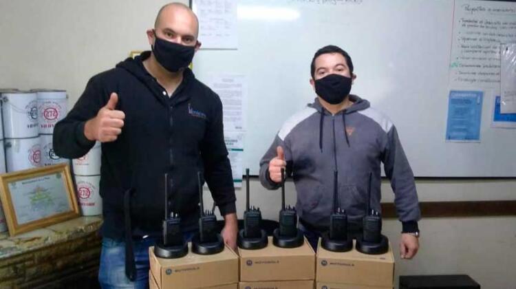 Bomberos de El peligro con nuevos equipos Motorola