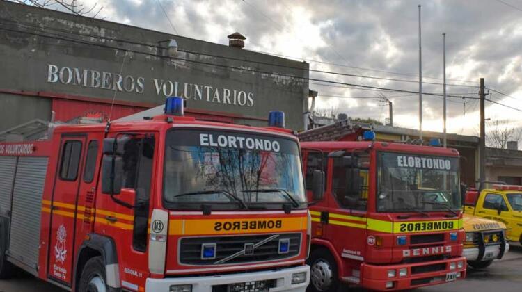 """Bomberos de Elortondo son declarados """"Ciudadanos Distinguidos"""""""