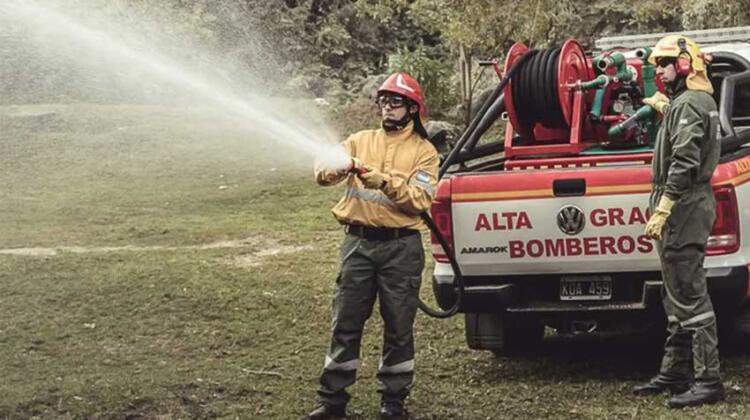 Historias: De bombero a exportador de elementos para apagar incendios