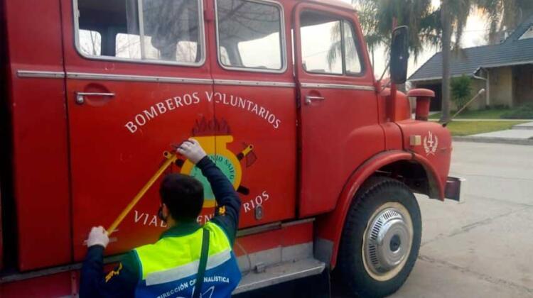 Dispararon con escopeta al camión de Bomberos de Viale